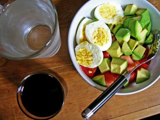 ゆで卵ダイエット_レシピ_アボカドサラダ