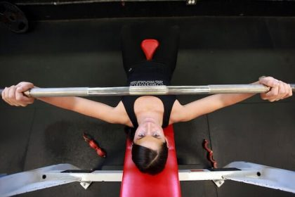 胸を小さくする筋トレ方法